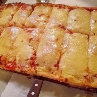 """Alfredo's """"Award Winning"""" Pan Pizza  (Whole Tray ~ 12 cuts)"""